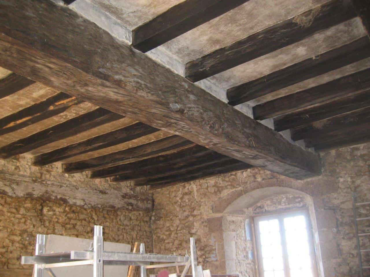 Sablage De Poutres Charpentes En Poitou Charente 858679