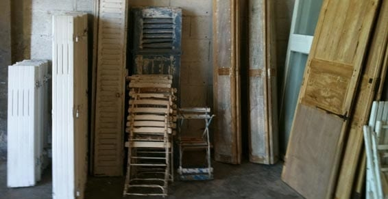décapage de tout type de mobilier chaise volet meubles bureu