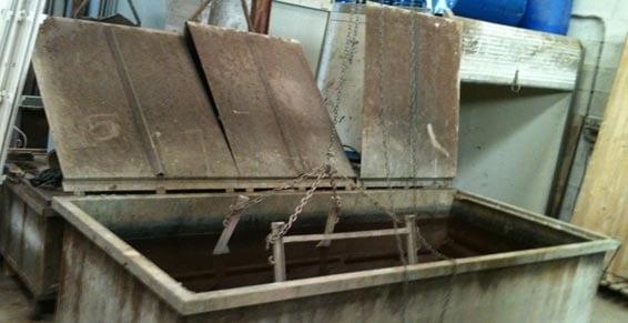 cuves de trempage décapage chimique de l'entreprise décap'net (St Benoit)