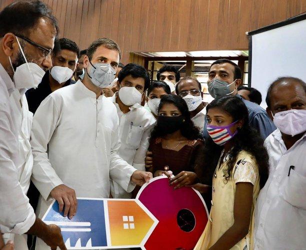 Sisters orphaned in Kerala landslide get home from Congress leader Rahul  Gandhi | Deccan Herald