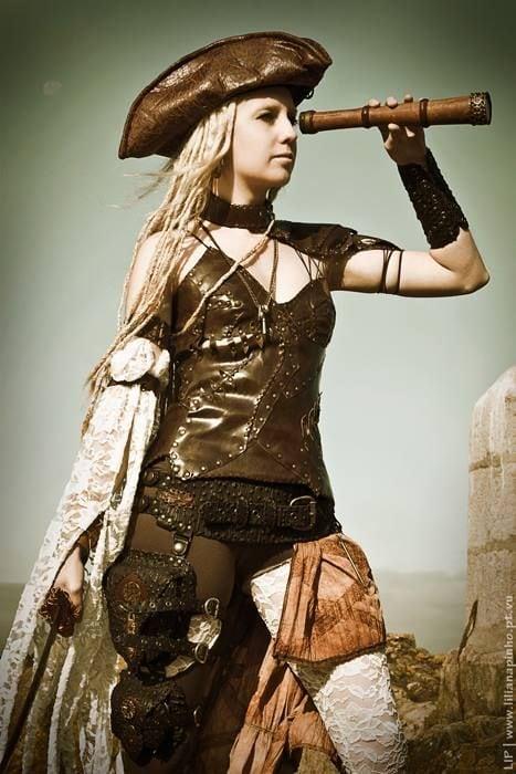 Photo: Lip Creative Studio   Model: Angélica Elfic   Costume: Elfic Wear