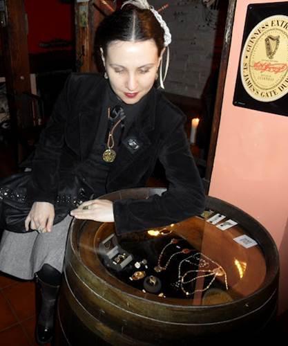 Ithilien - Decimononic jewelry exhibition - Irene Lopez