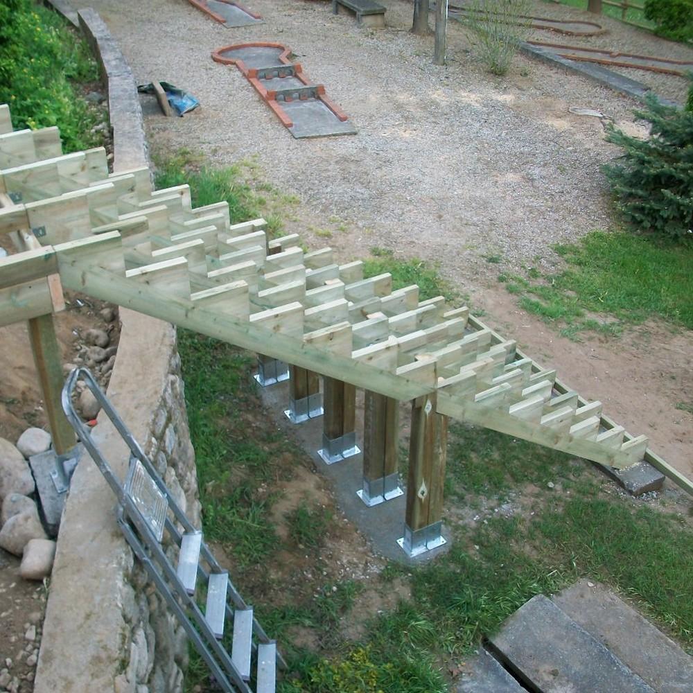 Limon 7 Marches Escalier Pin Traite Escalier Pour L Exterieur Deck Linea