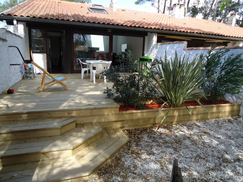 Realisation Terrasse Bois Dans Les Landes Terrasse En Pin Jardiniere En Bois Plantations Escalier En Bois E L