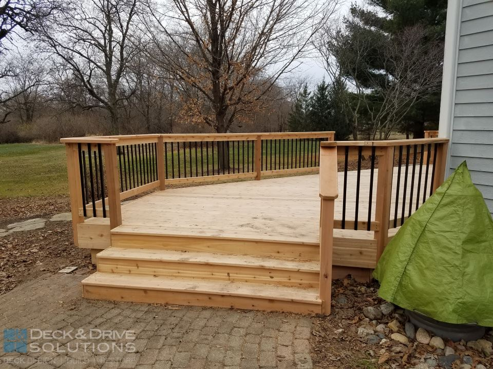 Angled Cedar Des Moines Deck Builder Deck And Drive