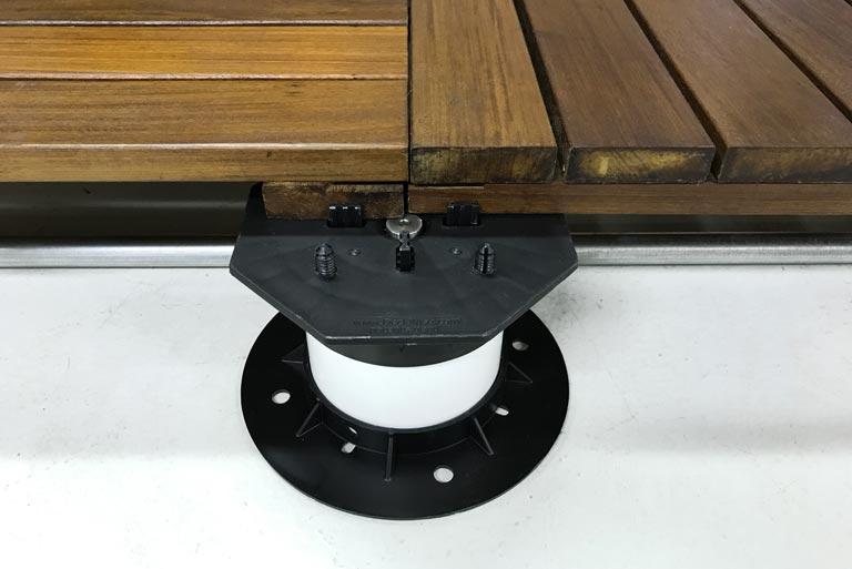 adjustable screw jack deck tile