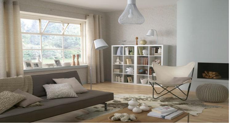 peinture salon couleur gris taupe canape gris fauteuil ivoire et luminaire blanc