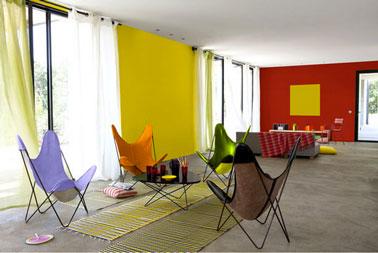 Comment apporter de la couleur dans le salon facilement