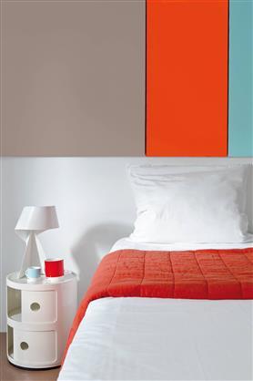Peinture chambre couleur orange gris et vert en bande