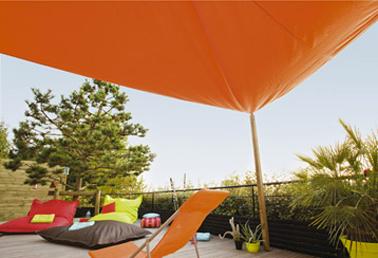 voile dombrage pour proteger grande terrasse couleur orange