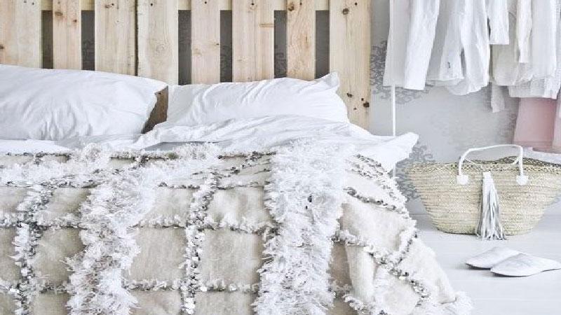 pour faire soi meme une tete de lit les idees originales ne manquent pas