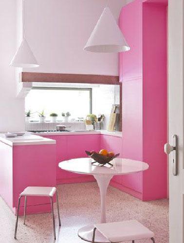 Cuisine ouverte avec peinture meuble cuisine rose