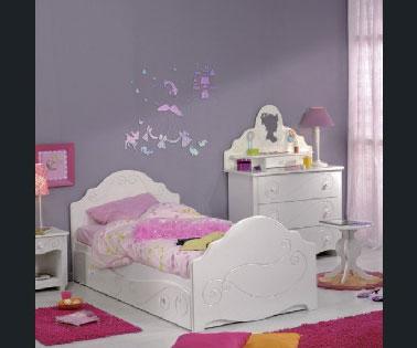Peinture chambre petite fille rose et violet