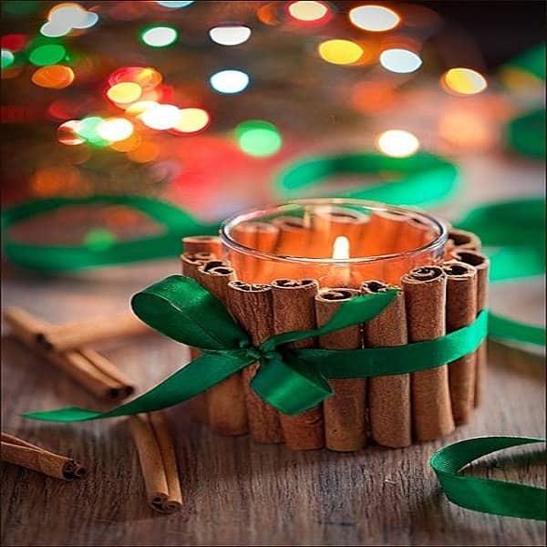Une Deco Noel De Bougeoirs Avec Des Batons De Cannelle