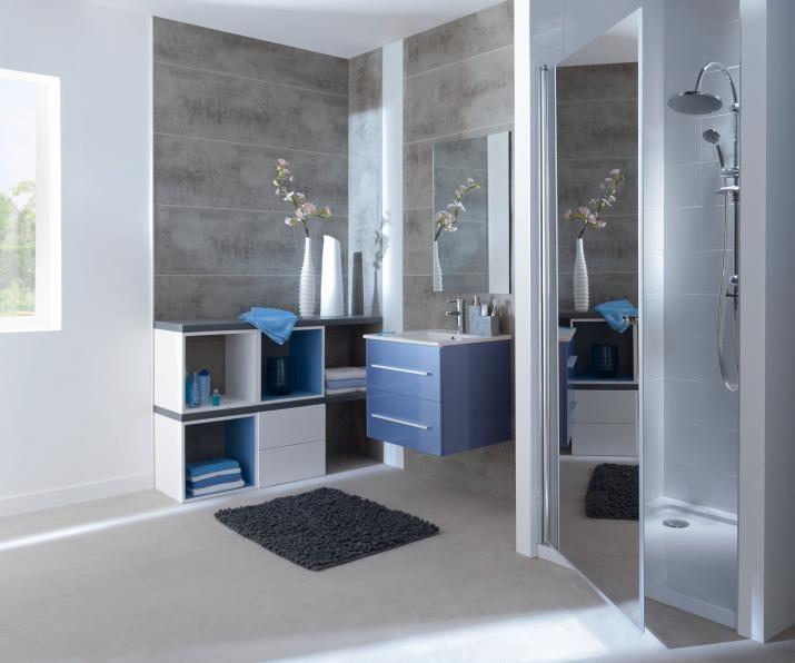 salle de bain bleu et gris bright