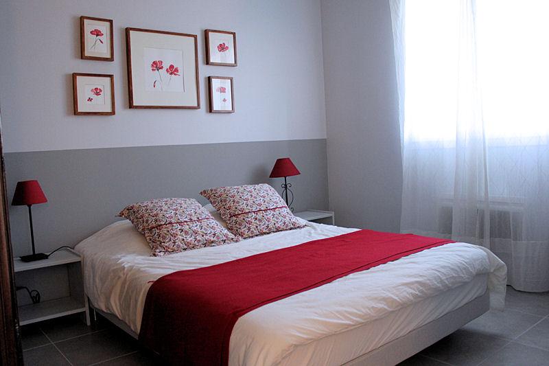 jolie decoration chambre rouge