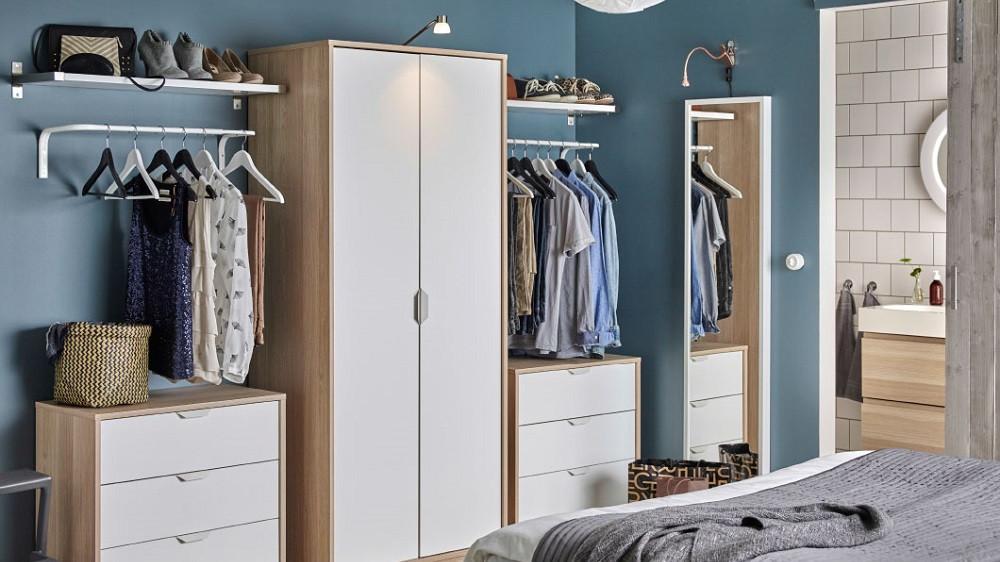 placer une armoire dans une chambre