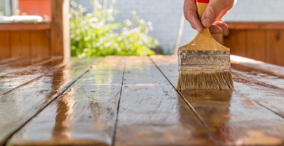renover une table en bois m6 deco fr