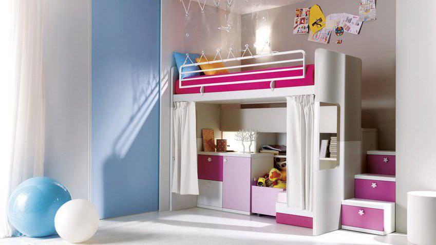 un lit mezzanine pour une petite fille