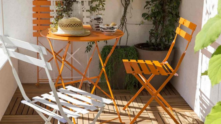 10 Tables De Balcon Qui Ne Prennent Pas De Place Diaporama Photo