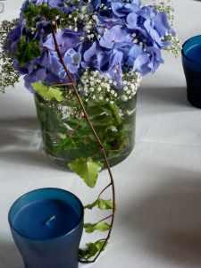 Mariage AetW bouquet et bougie table