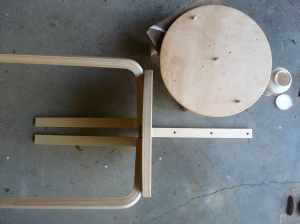 chaise pop detournement tabouret Ikea etape8 A-TOUS-LES-ETAGES-conseil-deco