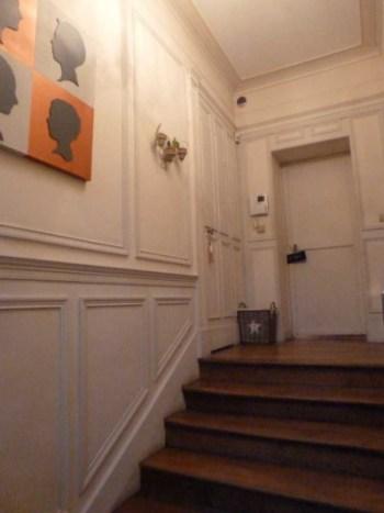 L'entrée blanche et triste avant rénovation