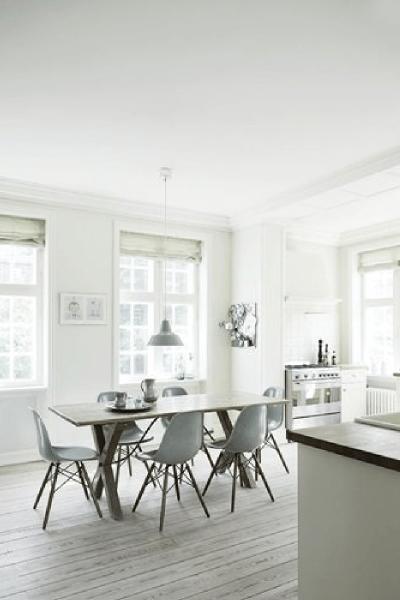 Visite déco : une jolie maison scandinave aux couleurs douces