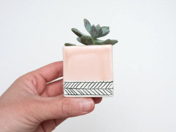 Top 5 | Sélection de cache-pots pastels pour un jardin happy !
