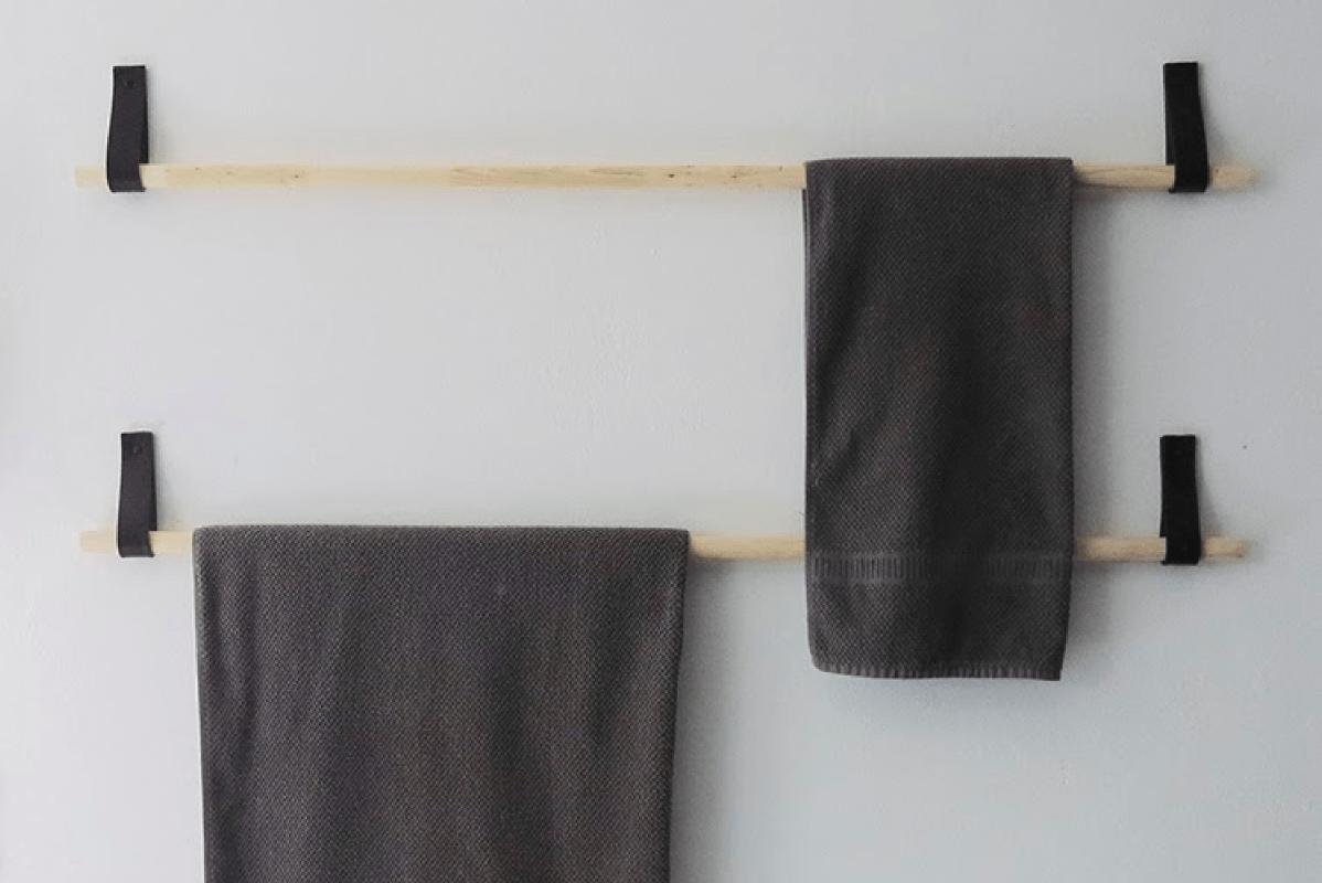 DIY : Des portes-serviettes design avec une vieille ceinture