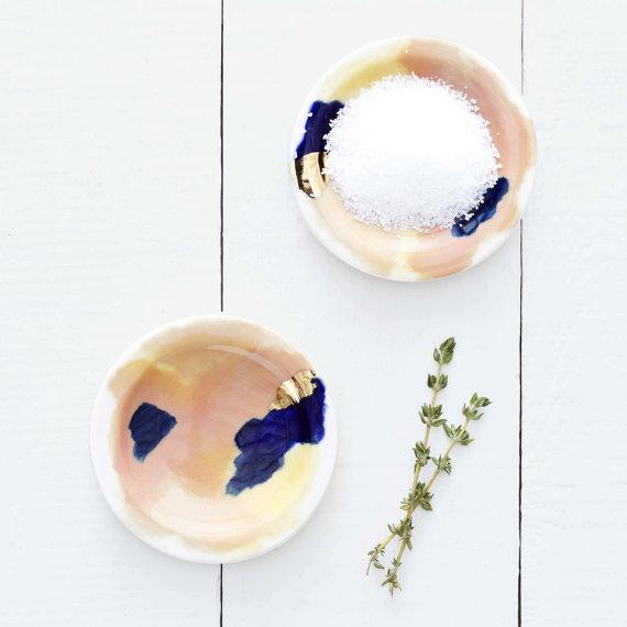 Superbes coupelles en porcelaine et feuille d'or