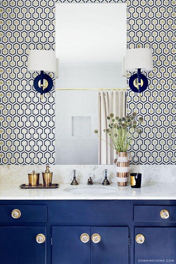 Jolie teinte de bleu pour un meuble et une salle de bain très chic