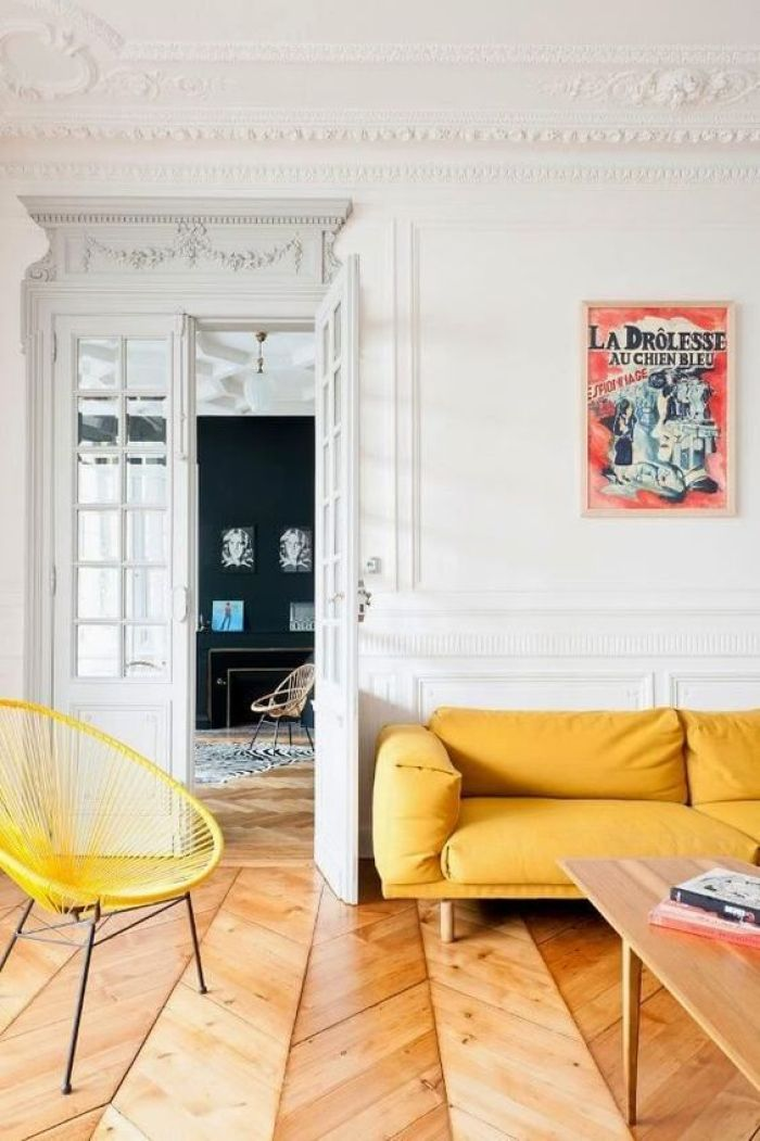 Canapé jaune moderne