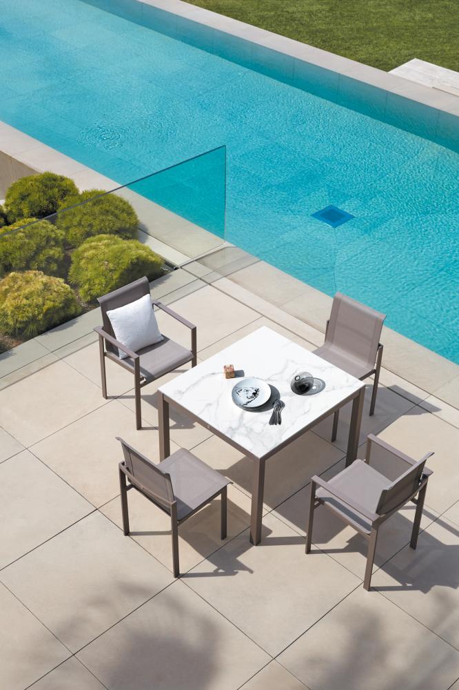 Coup de coeur pour le mobilier outdoor en marbre sur @decocrush - www.decocrush.fr - Collection Kwadra de Sifas