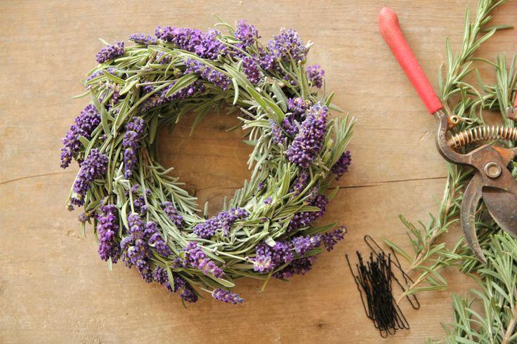 med-wreath-1