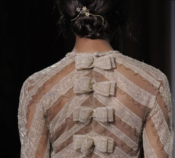valentino-haute-couture-fall-2011-bow-dress-detail
