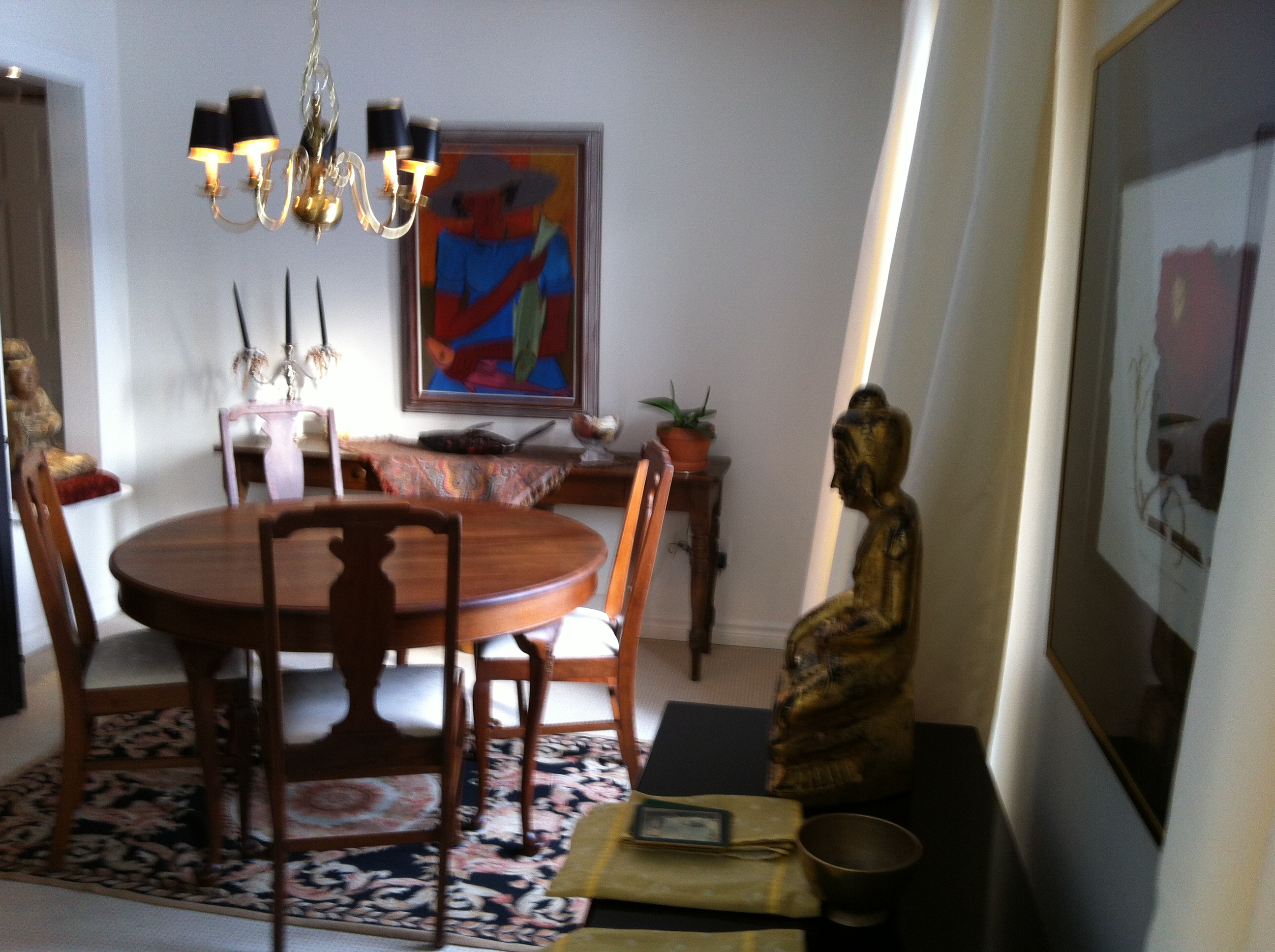I Have To Confess That Am A Bit Jealous Of Her Finds On Kijiji Wouldnt You Be This Dining Room Table Is So Elegant And The Chairs Are Perfect For