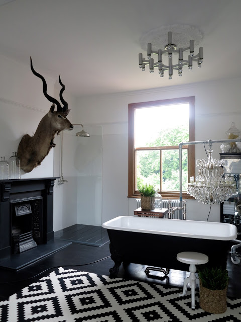 black and white kitchen rug remodel cost before/after   decogirl montreal