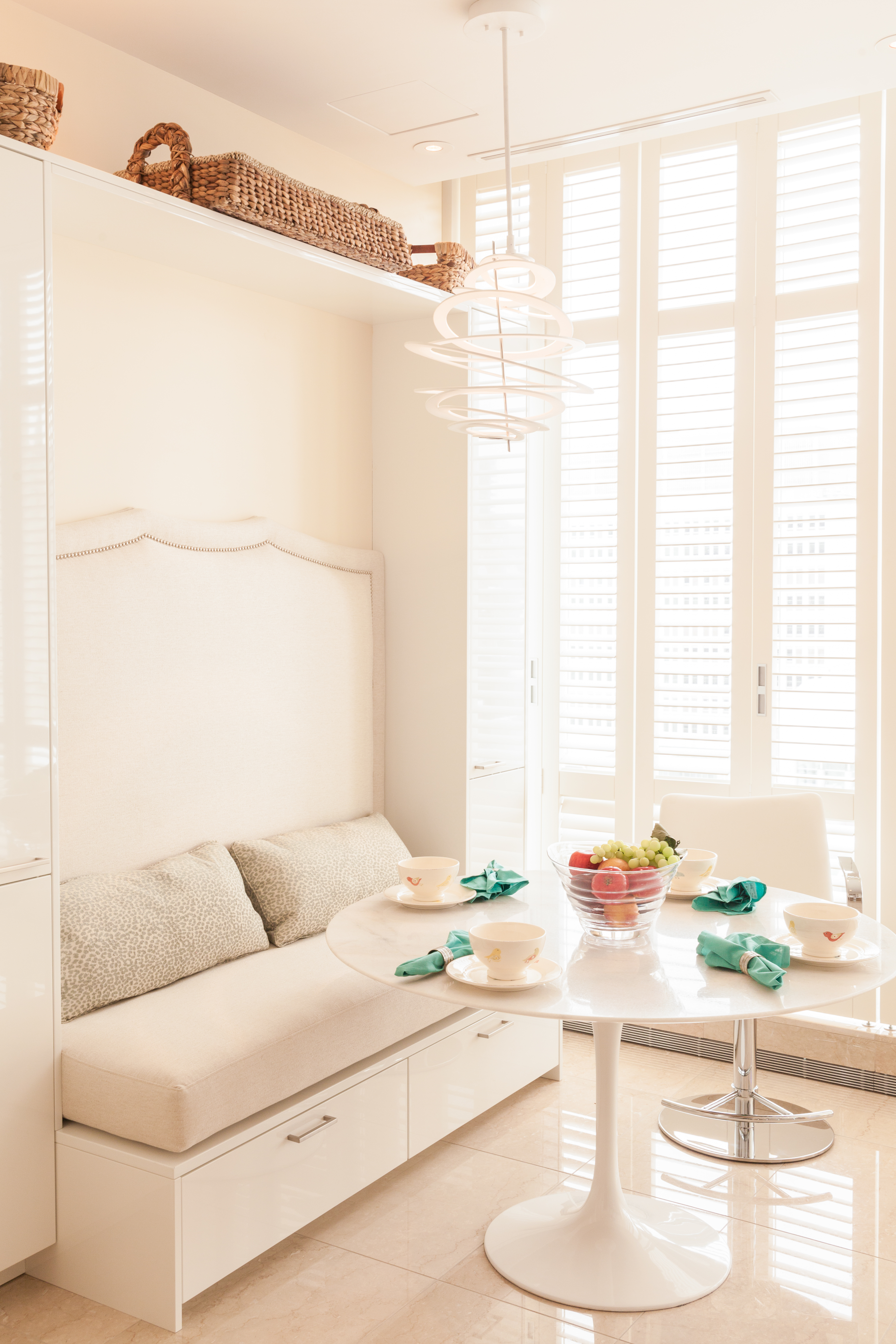 White Paint For Living Room Todays Idea White Paint And Warm Ambiance At The Ritz Decogirl