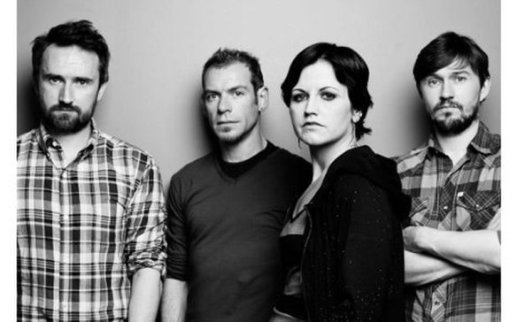 7742899471_the-cranberries