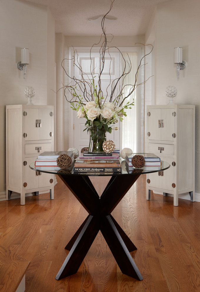 Round Foyer Table Decorating Ideas