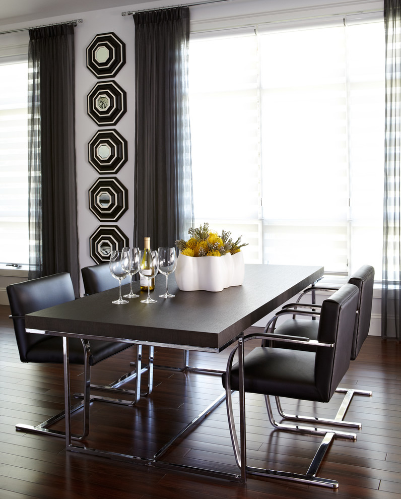 Creatively Arranged Decorative Mirrors for Dining Room