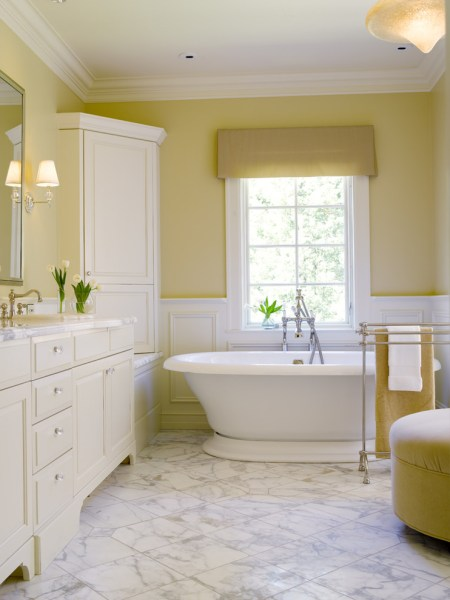 soft yellow bathroom ideas Brilliant Ideas of Wall Combination for Light Yellow | Decohoms
