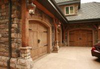 Everyones Must-Have Craftsman Style Garage Door   Decohoms