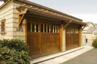 Everyones Must-Have Craftsman Style Garage Door | Decohoms
