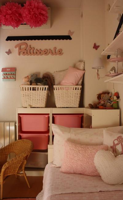 Habitacin para nia en blanco y rosa