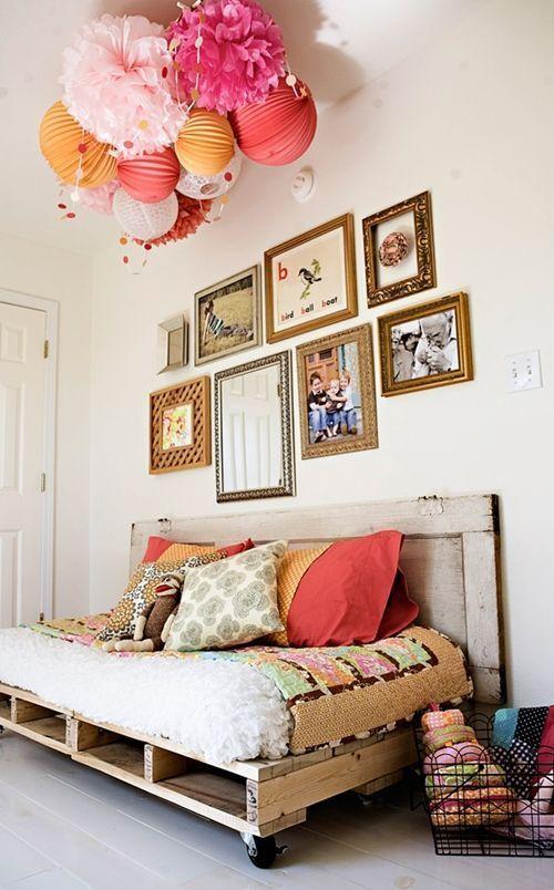 Reciclar palets para sofás y conseguir este hermoso mueble con palets.