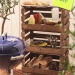 Mueble auxiliar DIY hecho con cajas de madera: para el jardín, el baño, el salón…