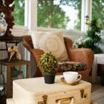 ideas para decorar con maletas antiguas 3