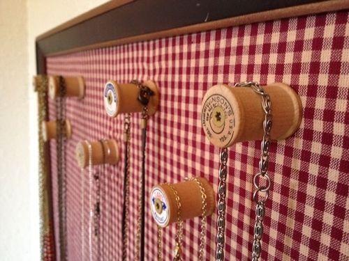 Ideas para hacer un colgador de collares de pared decorando 3